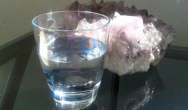 17-krystalova-voda-s-druzou.jpg.74b864ee52cc463ee13b142d530d044b.jpg